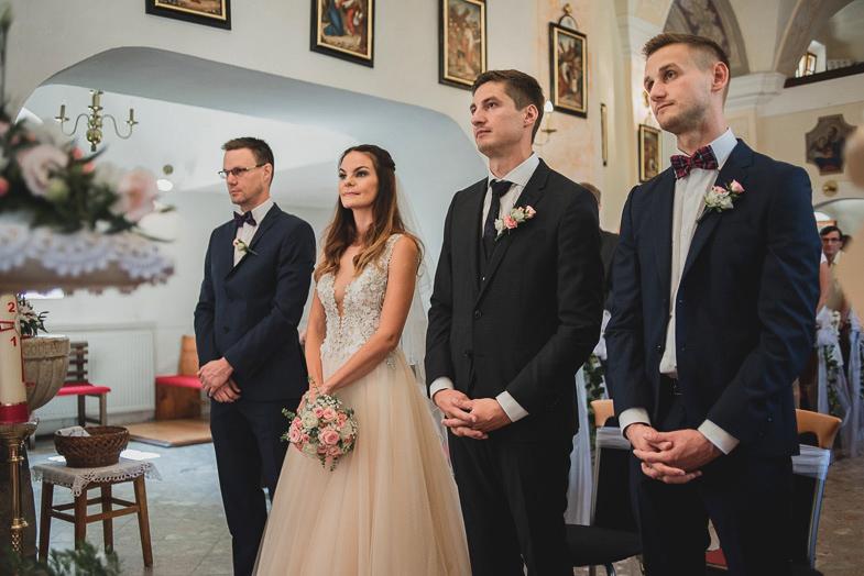 Fotografija s cerkvene poroke v cerkvi sv. Miklavža Majšperk.