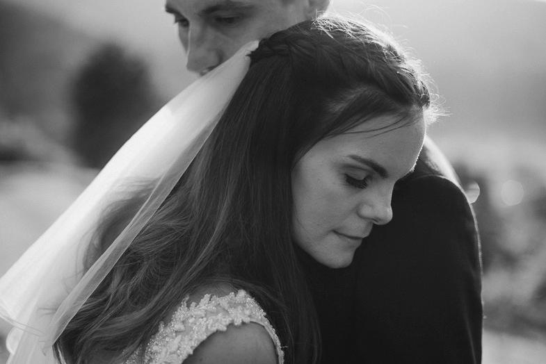 Ein Paar das ein Hochzeitsfotograf aus Slovenia gemietet.