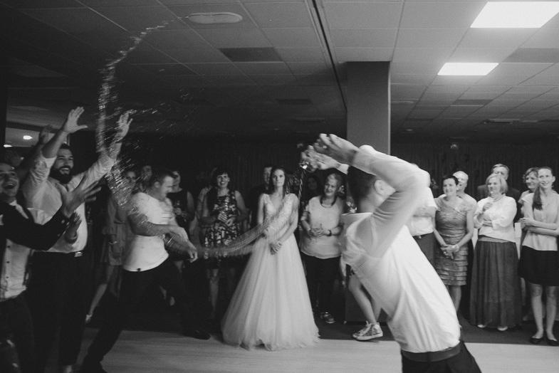 Primer igre na poroki.