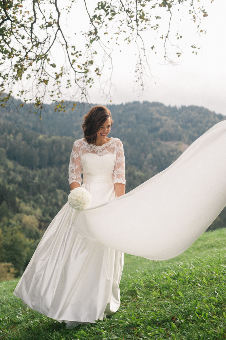 Photo of the bridal veil.