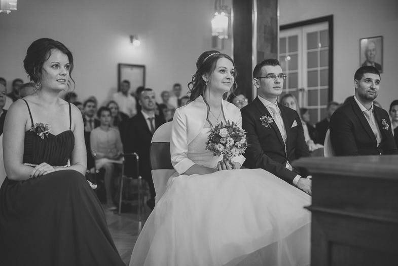 Foto der Hochzeitszeremonie in der Kaiser-Franz-Josef-Straße in Österreich.