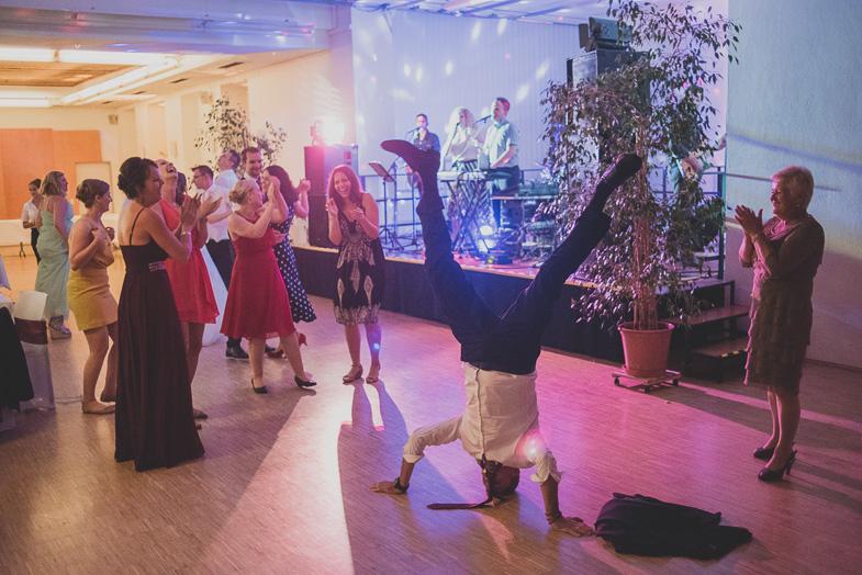 Primer fotografije na poročni zabavi.