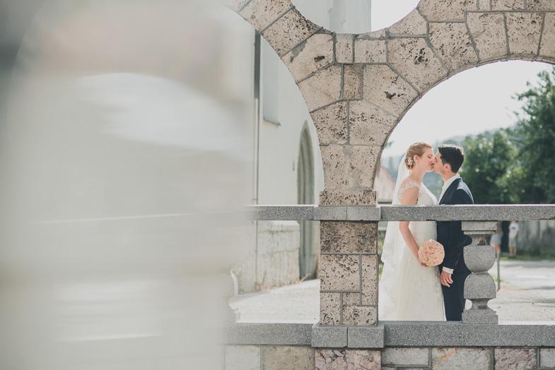 Ideja za fotografiranje poročnega para.