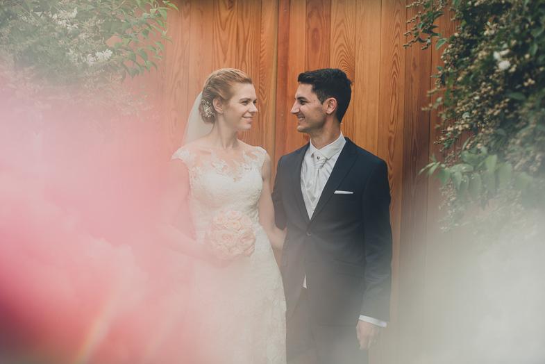 Par, ki je najel fotografa za poroko na gorenjskem.
