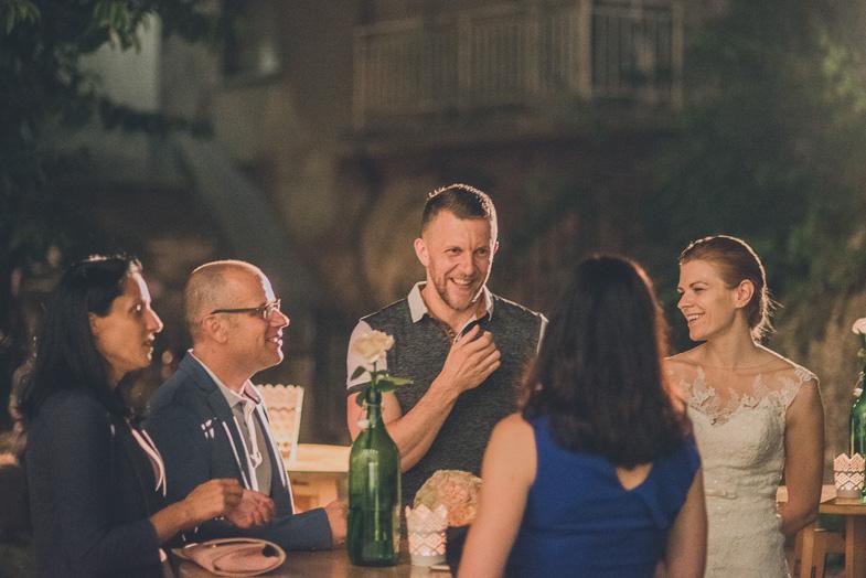 Druženje svatov na poroki.