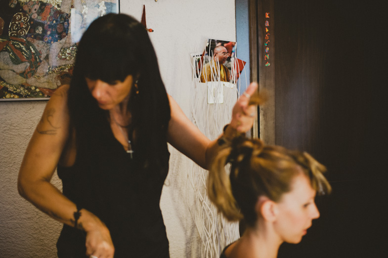 Photography of the wedding hairstyle.