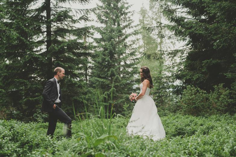 Primer fotografiranja poroke v naravi.