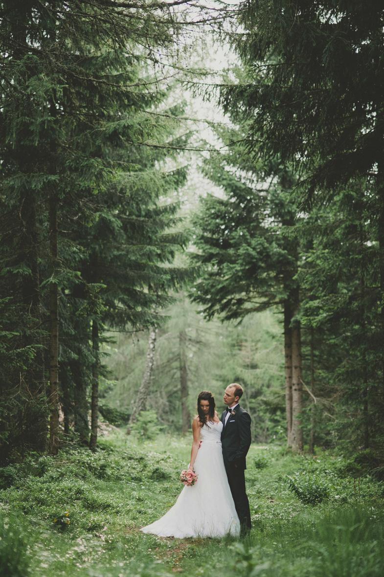 Mladoporočenca in njuna sanjska poroka.
