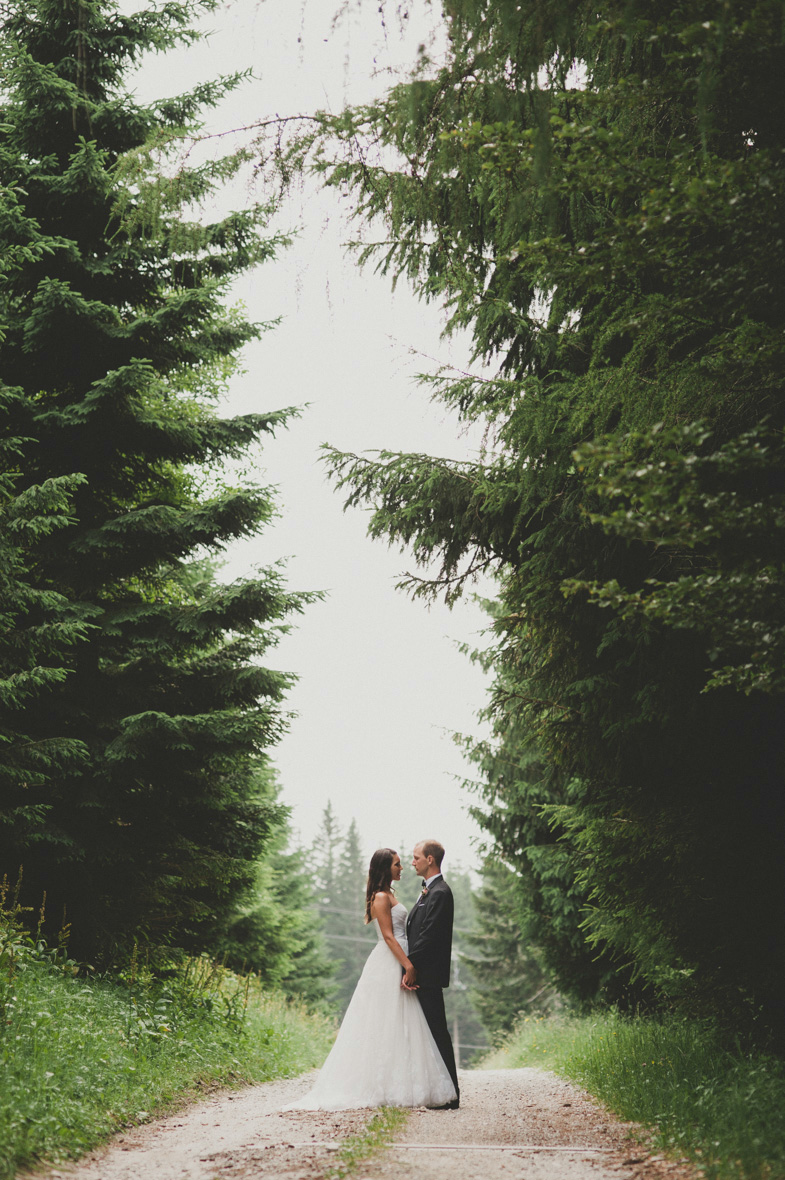 Ein Paar das einen Hochzeitsfotograf aus Europe gemietet.