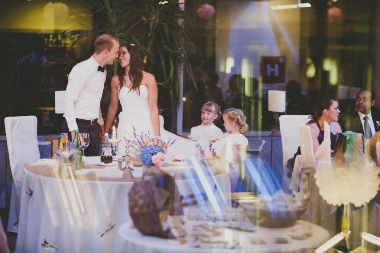 Primer poročnega slavja v hotelu.