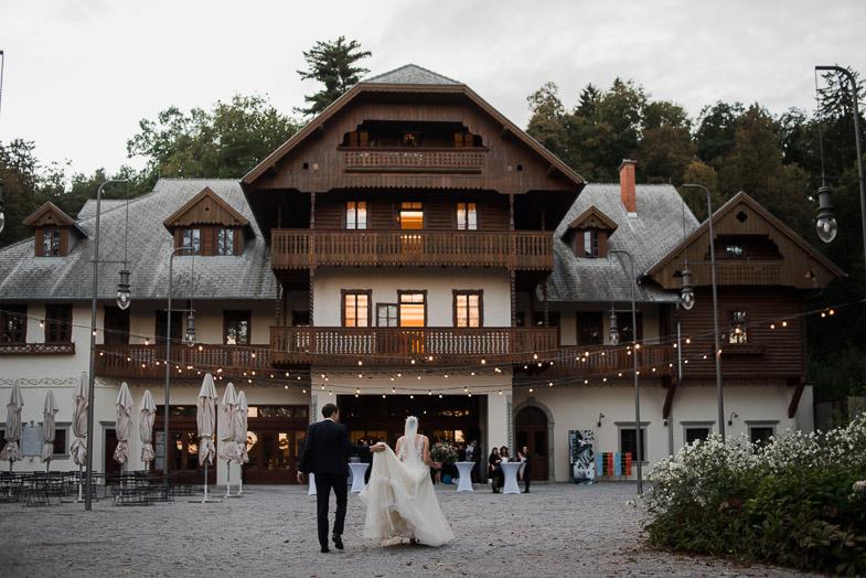 Poroka v bistroju Švicarija, pod gradom Tivoli, v parku Tivoli.