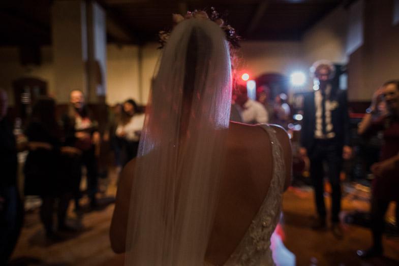 Sliaknje neveste in ženina med plesom.