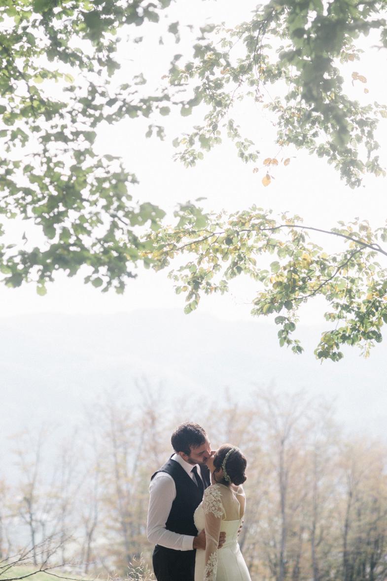 Romantična poročna fotografija.