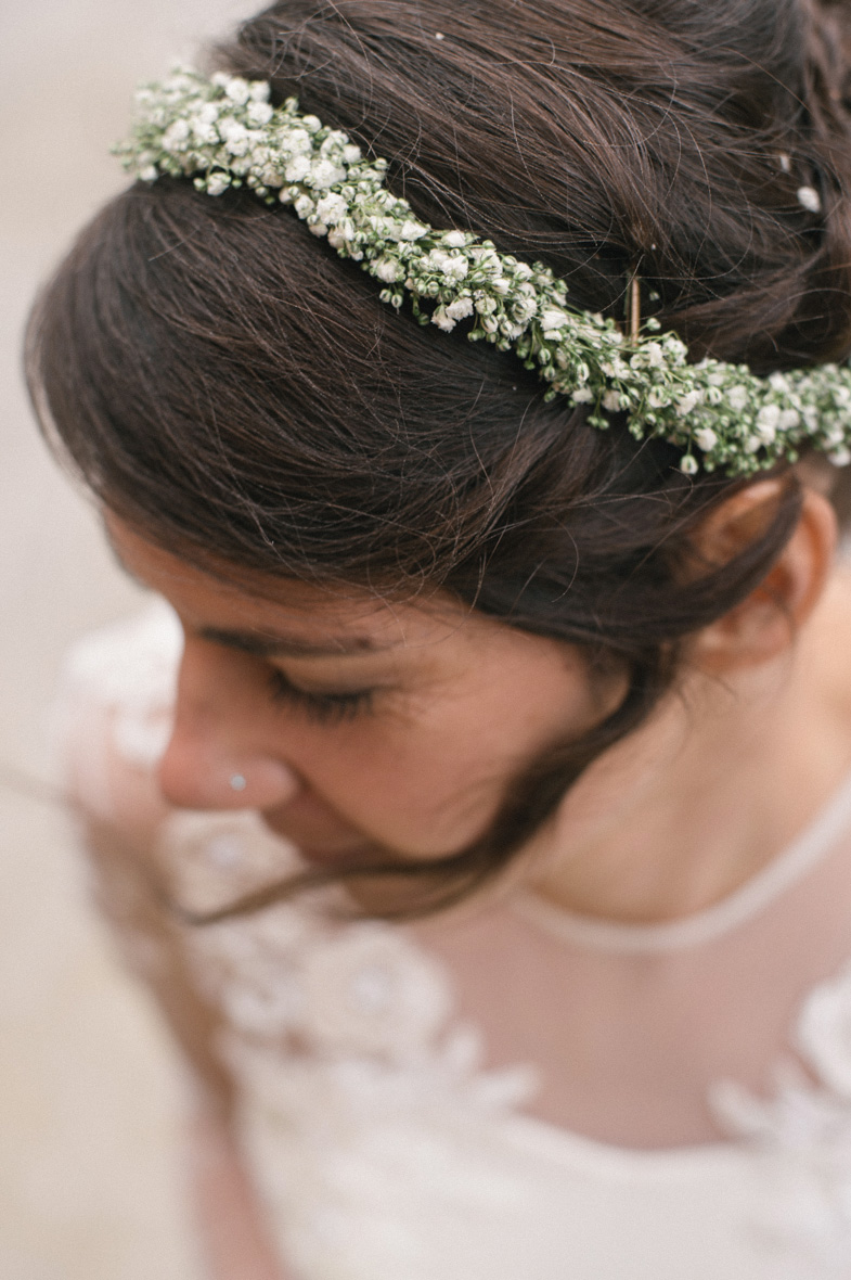 Portrait of the bride and her wedding hairstyle.