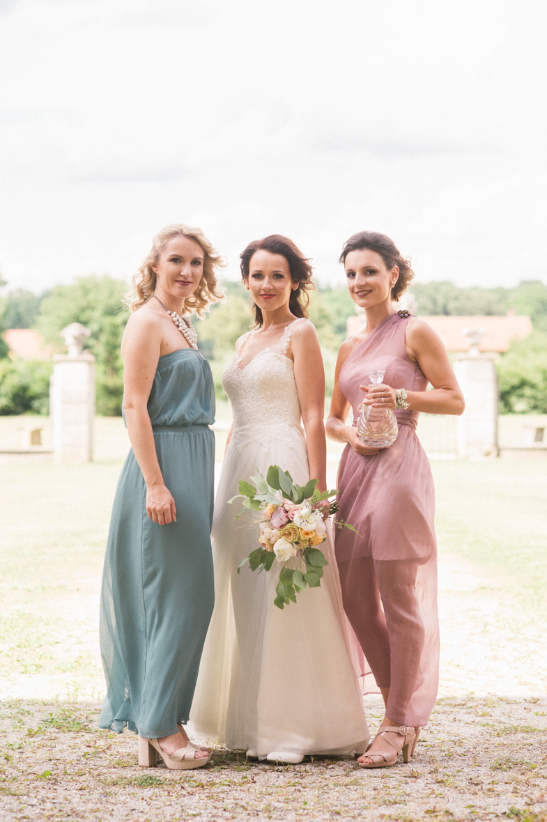 Portrait of a bride with bridesmaids.