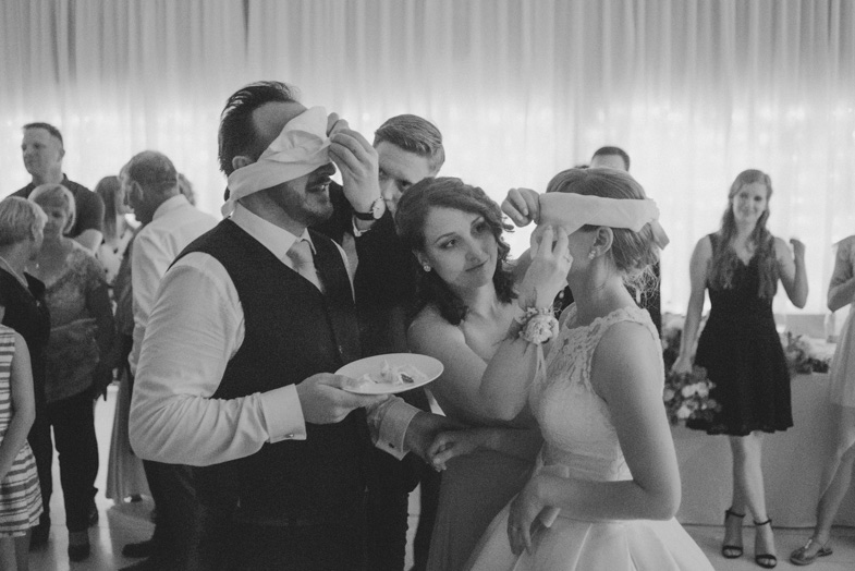 Igre na poroki.
