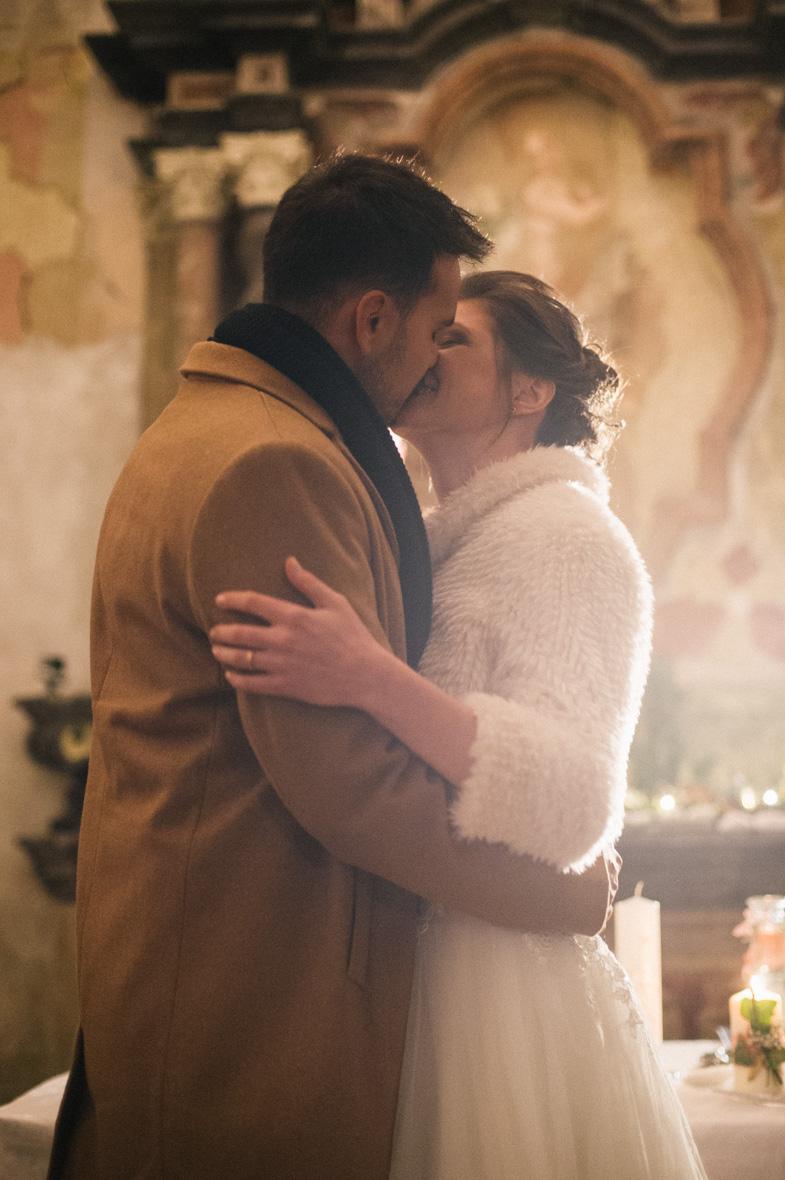 Newlyweds, which entered into holy matrimony.