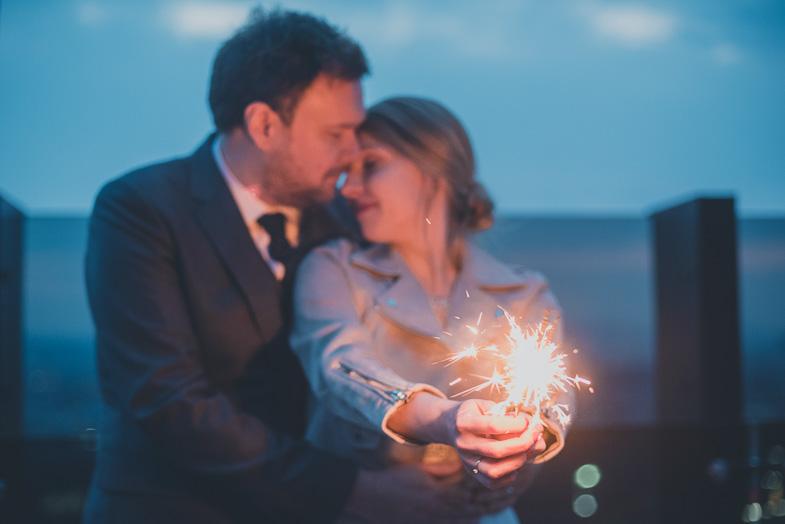 A beautiful wedding couple foto.
