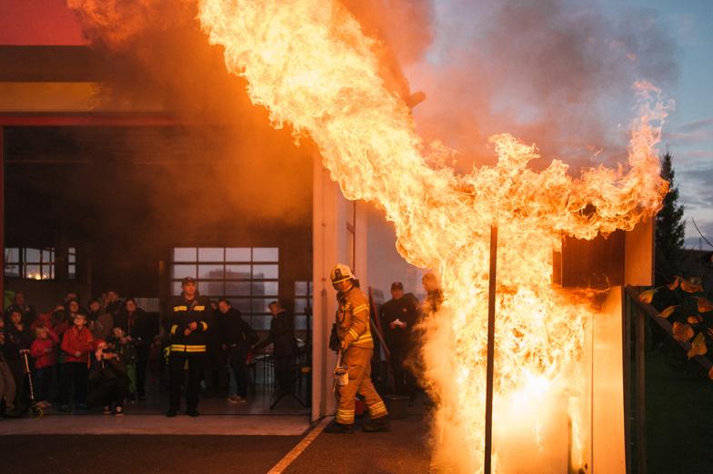 Prikaz gašenja ognja v Centru za zaščito in reševanje Domžale.
