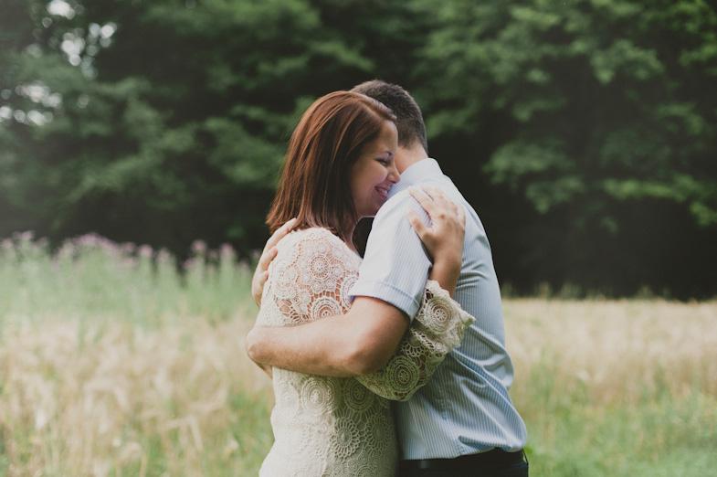 Par, ki si je izbral poročnega fotografa za poroko v Domžalah.