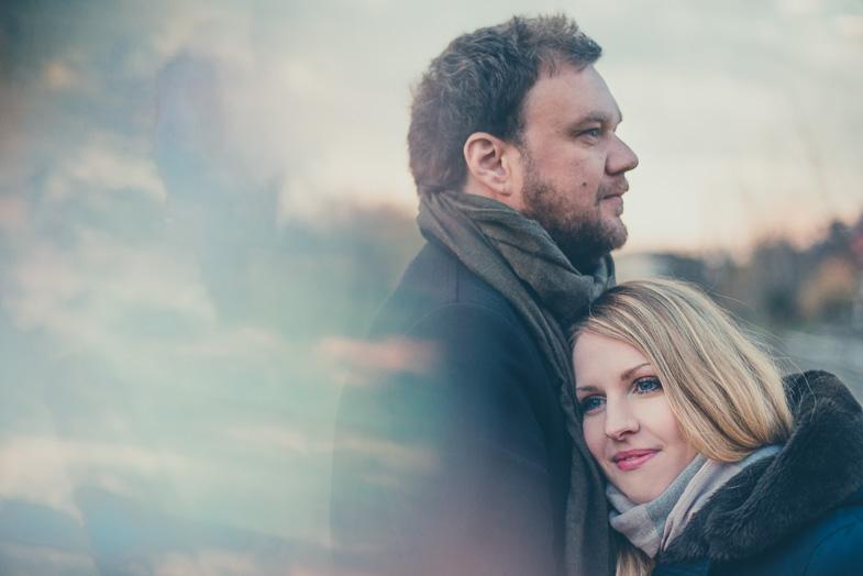 Par, ki se je odločil za zaročno fotografiranje.